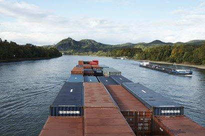 """Öffentliche Führungen durch die Ausstellung """"Zeit im Fluss"""" im Schiffshebewerk Henrichenburg"""