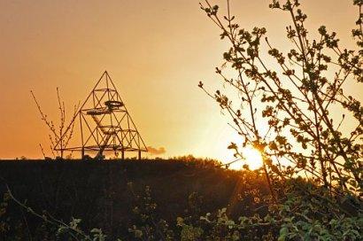 Emscher Park Weg: Vom Tetraeder zum Schloss Oberhausen